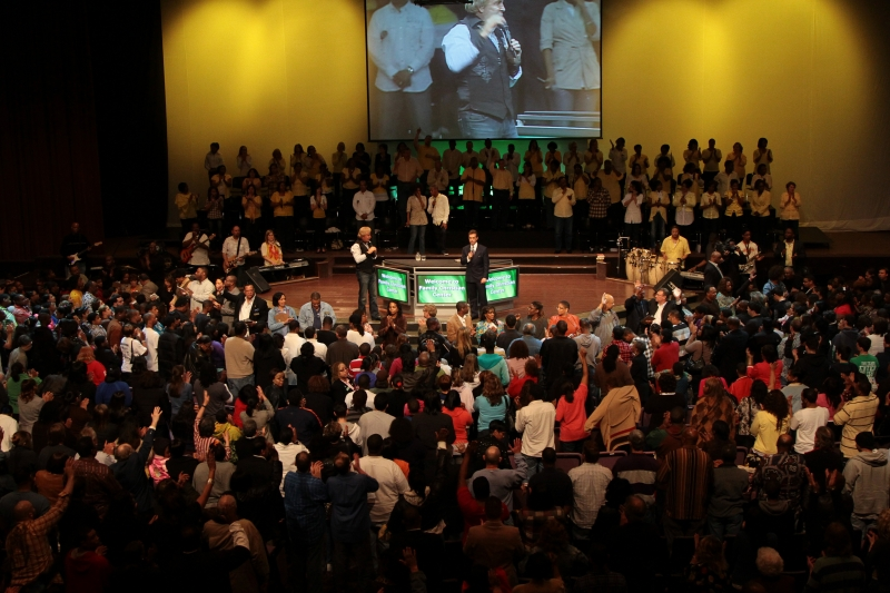 People respond to Christ in Munster, IN